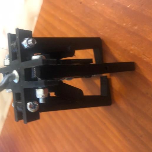 IMG_9367.jpg Télécharger fichier STL gratuit pince griffe autoserrante pour grue camion jouet bruder • Plan imprimable en 3D, wilfranck