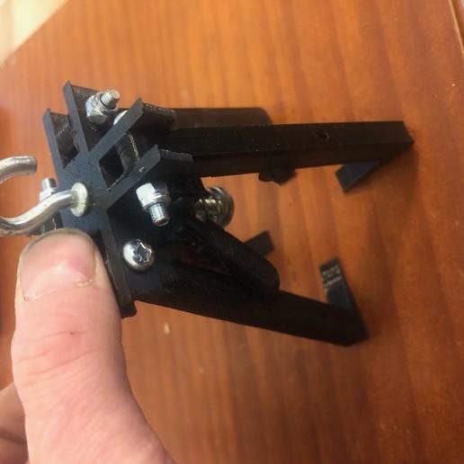 IMG_9366.jpg Télécharger fichier STL gratuit pince griffe autoserrante pour grue camion jouet bruder • Plan imprimable en 3D, wilfranck