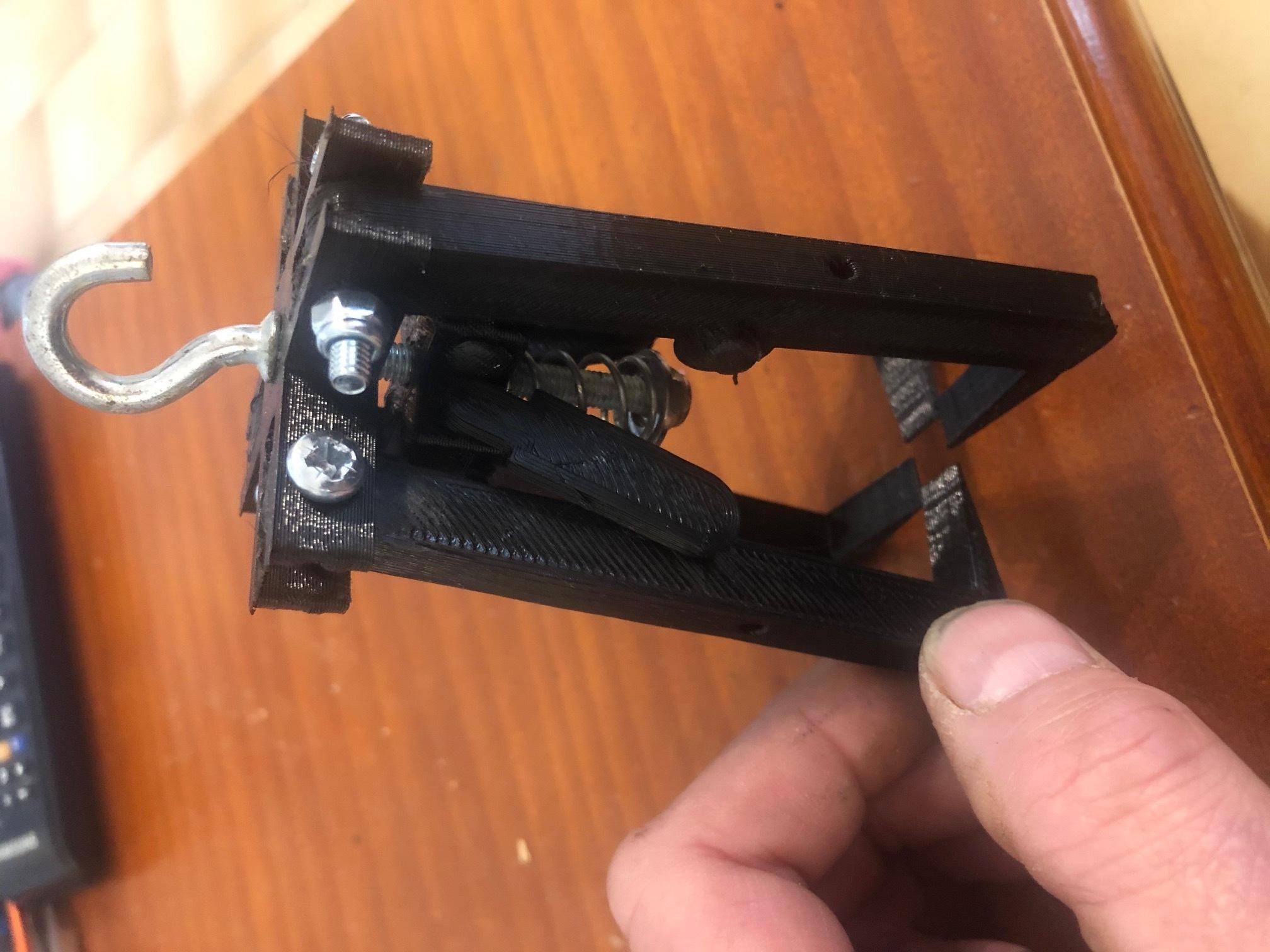 IMG_9365.jpg Télécharger fichier STL gratuit pince griffe autoserrante pour grue camion jouet bruder • Plan imprimable en 3D, wilfranck