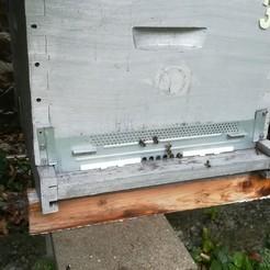 IMG_20190820_115302.jpg Télécharger fichier STL gratuit Reducteur d'ouverture de porte de ruche • Modèle imprimable en 3D, Abahli