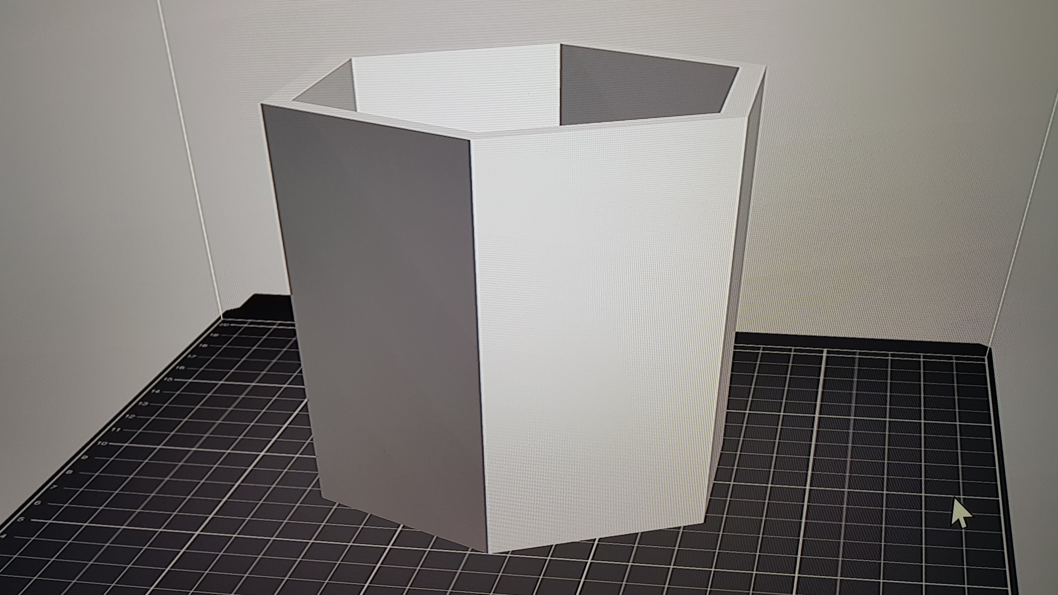 20180208_193430.jpg Download free STL file Hexagonal planter  • 3D printer model, solunkejagruti