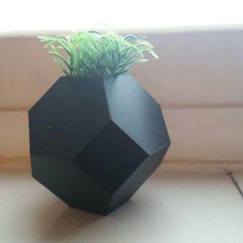 IMG-20180213-WA0023_large.jpg Download STL file Mini planter • 3D printing design, solunkejagruti
