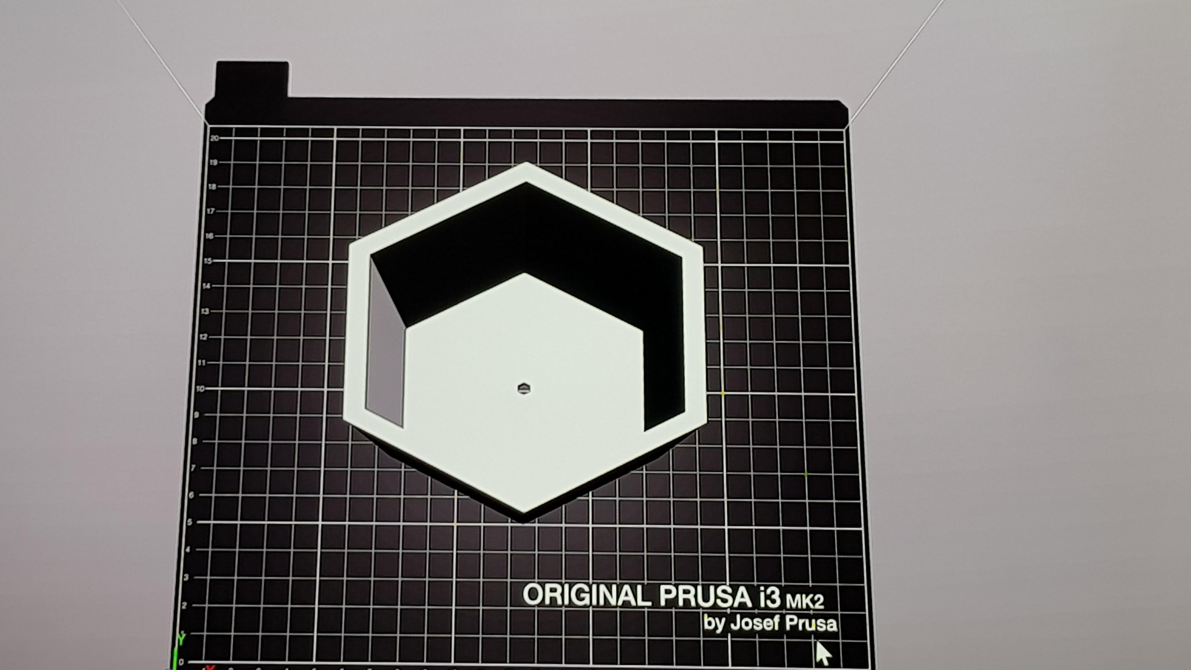20180208_193504.jpg Download free STL file Hexagonal planter  • 3D printer model, solunkejagruti
