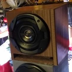 "BaffledFourInchSpeaker.jpg Download free STL file 4"" Speaker Enclosure with Baffles • 3D printable design, lreinhart"
