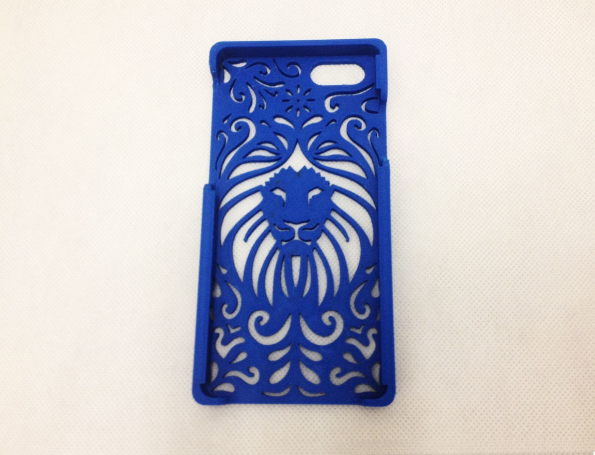 Tribal-Lion-Iphone-real.jpg Download STL file Tribal Lion Floral Iphone Case 4 4s • 3D printable object, Custom3DPrinting