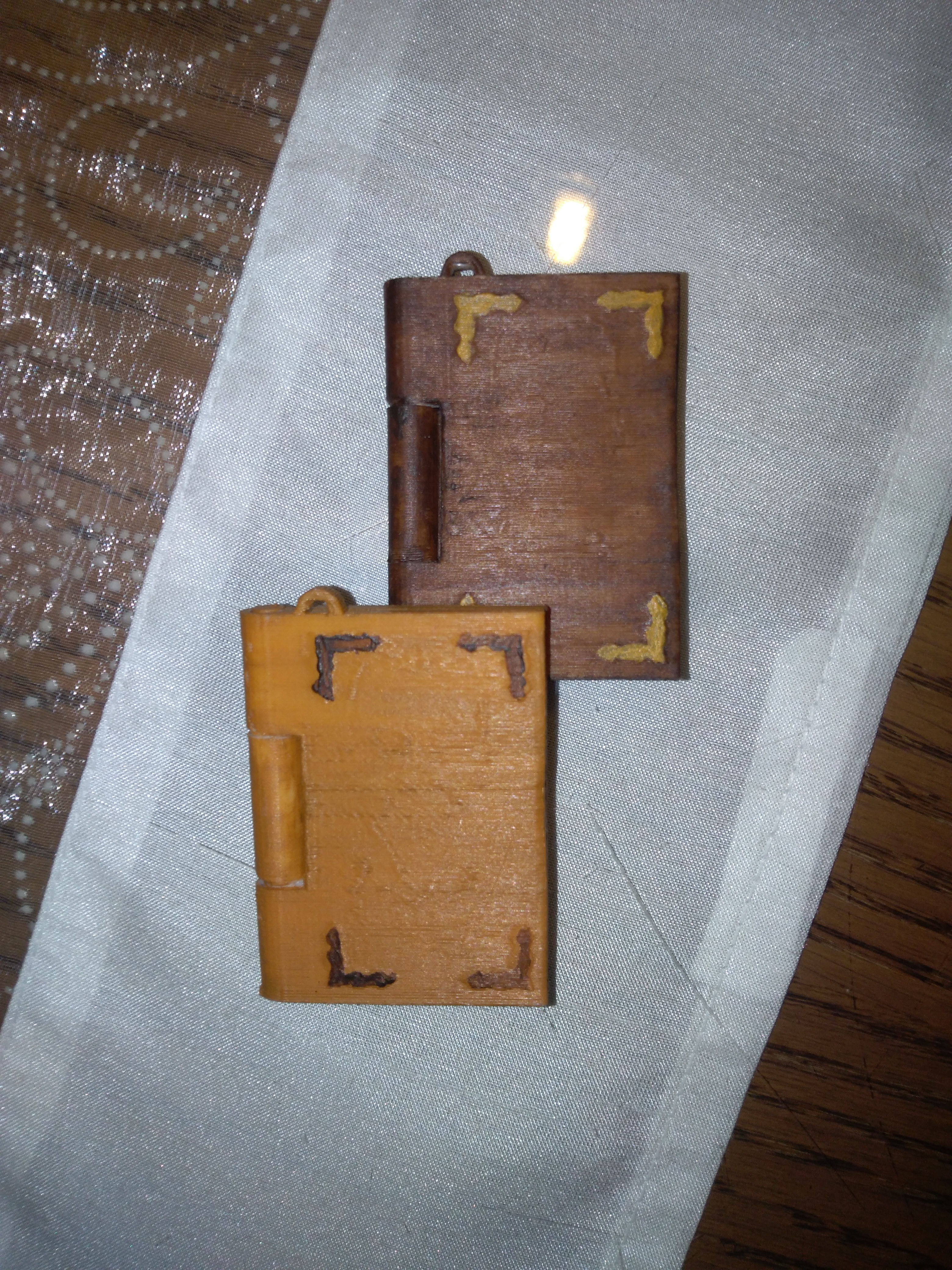 IMG_20190816_214059.jpg Download free STL file Memory book - lithophane • Design to 3D print, mrbarki7