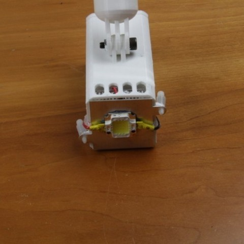 Free STL Compact 10 Watt 1,000 Lumen LED Flashlight, BananaScience