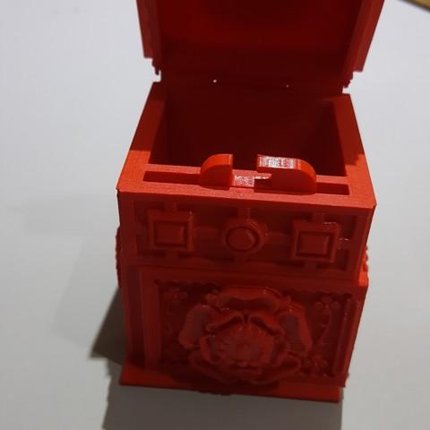 Free stl file The Tudor Rose Box (with secret lock), Capucine