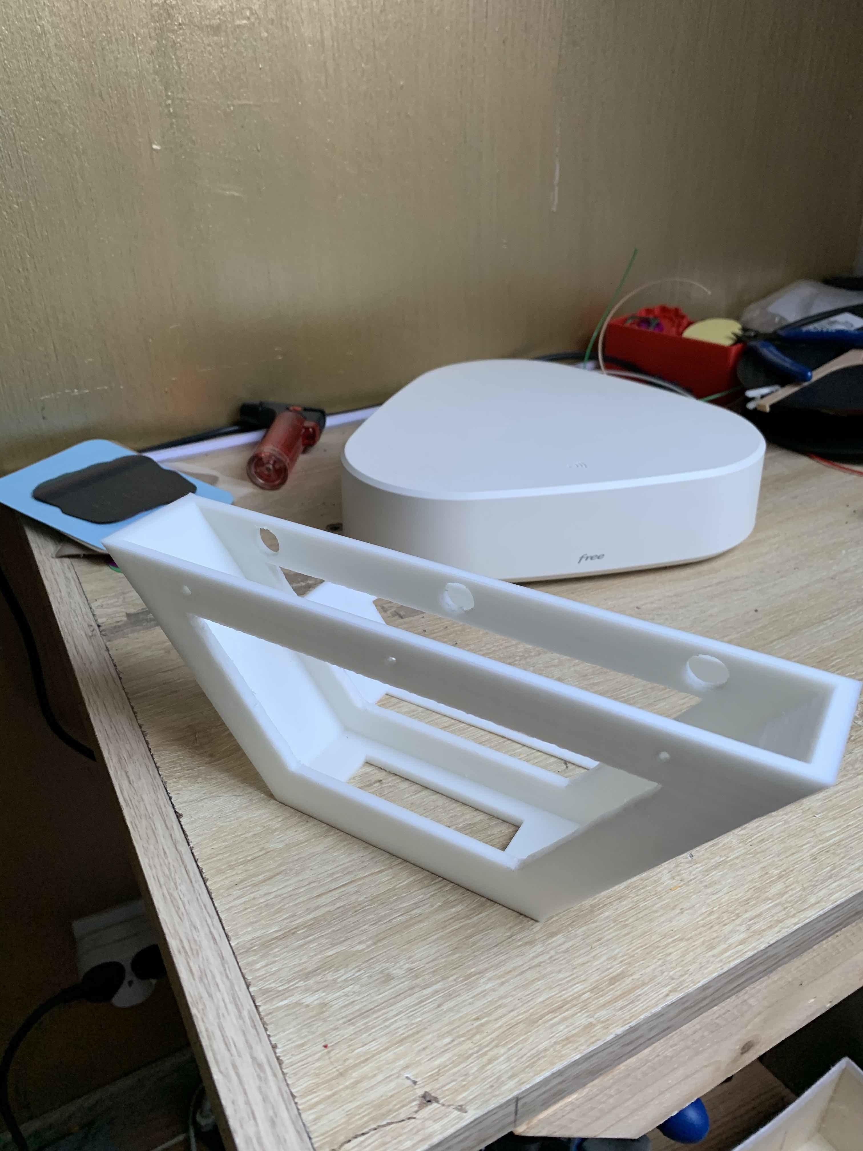 Télécharger fichier STL Support FREEBOX DELTA • Modèle imprimable en 3D ・ Cults