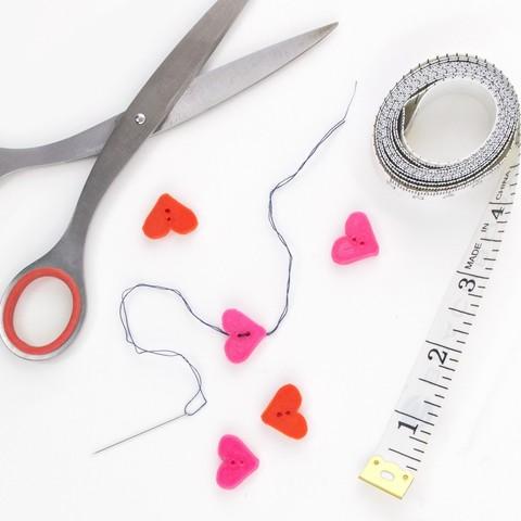 bb6300db2fb6eb38b8aff62727aaab1a_1443207089092_NMD000113-145_@2x.jpg Download free STL file Heart Button • 3D printable design, Lucy_Haribert