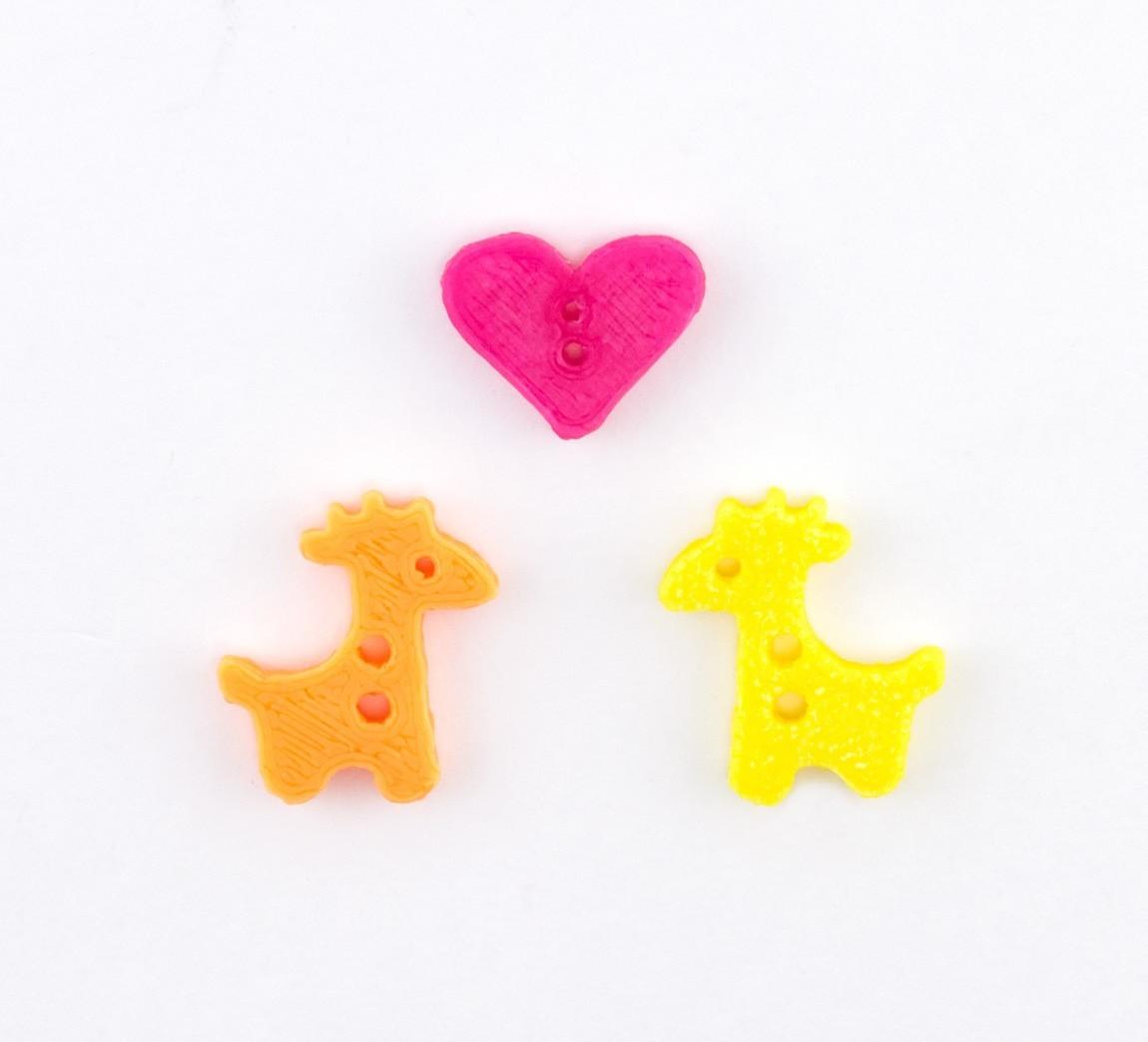 757cad3f6758cf3959aaf6d76cdd6f84_1443206282851_NMD000112-166_@2x.jpg Download free STL file Giraffe Button • 3D print model, Lucy_Haribert