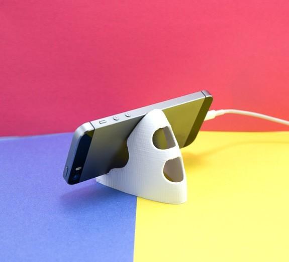 2c15b77b1880f541068ada401446e857_1443225088936_NMD000070e_1x.jpg Download free STL file Phone Stand • Model to 3D print, FerryTeacher