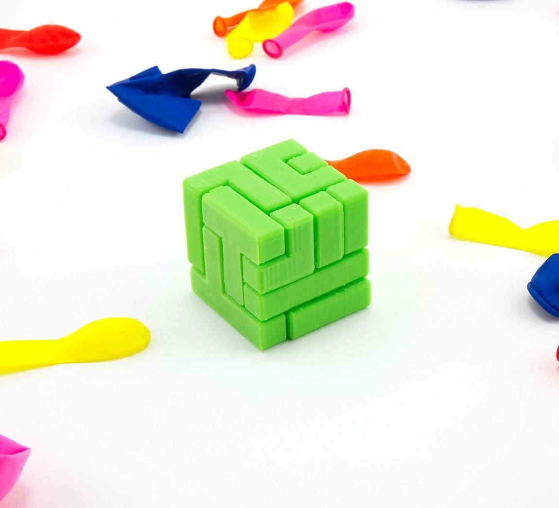 caba29fe59dd68c3356d71d1db495dc6_1444847269502_NMD000318a.jpg Download free STL file 4x4 Puzzle Cube • 3D printer model, FerryTeacher