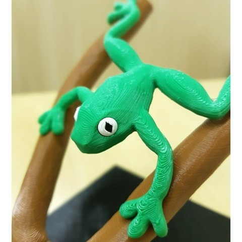 135007e7085979a7d5b41ce54c0e54d7_preview_featured.jpg Download free STL file Frog on branches - multi-color • 3D printable template, bpitanga