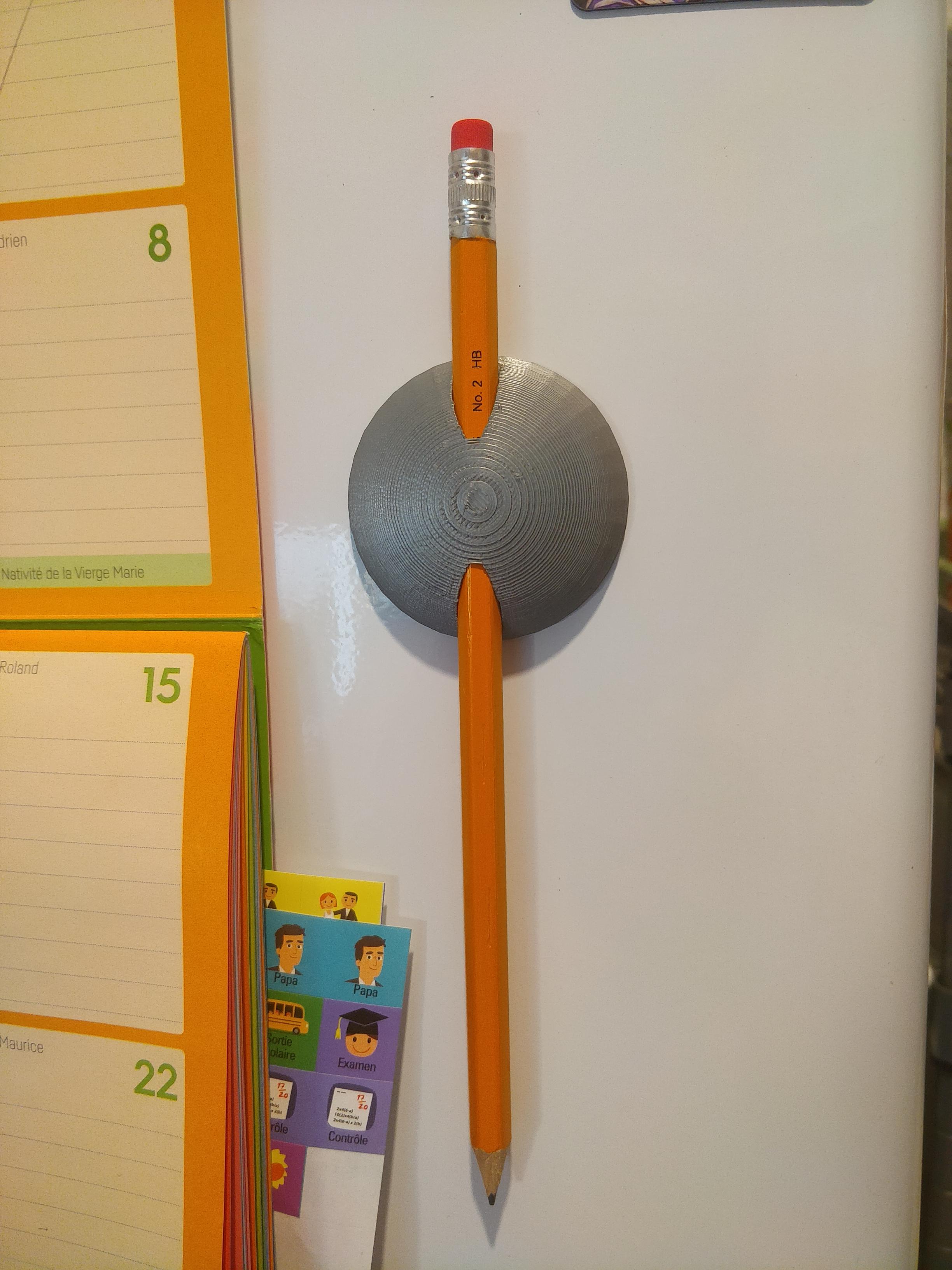 IMG_20190906_193300.jpg Télécharger fichier STL gratuit Porte-aimant porte-crayon pour réfrigérateur • Objet à imprimer en 3D, Torvast
