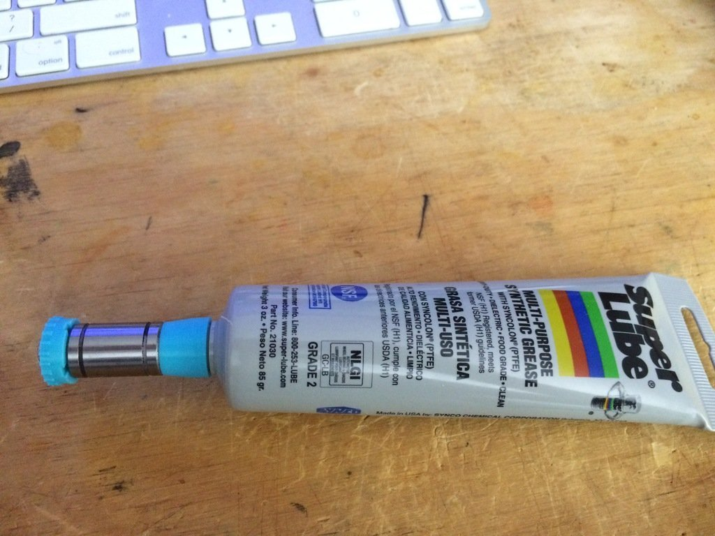 be38c3c57a65a64bc9afa5ae5bb63c8c_display_large.jpg Télécharger fichier STL gratuit Injecteur de graisse pour roulements LMU • Modèle imprimable en 3D, Thomllama