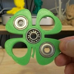 Download free 3D printing designs 4 Leaf Clover Fidget Spinner, Thomllama