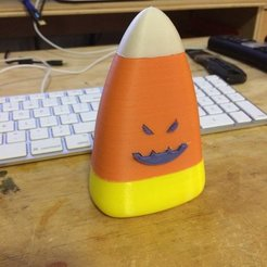 Download free STL Evil Candy Corn 2, Thomllama