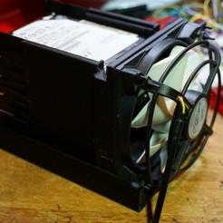 """Descargar diseños 3D gratis Soporte HDD / SSD de 3,5 """"a 5 x 2,5"""" Ventilador de 92 mm, Edd77"""