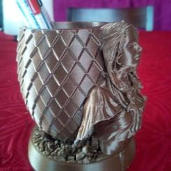 Download STL file daenerys pot a crayon, game of throne, dragon egg • 3D printing template, bonzaiidjl