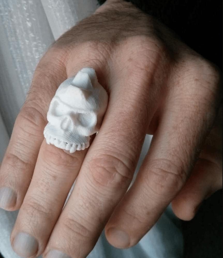 Capture d'écran 2018-04-05 à 15.28.39.png Télécharger fichier STL gratuit Bague de crâne punk Dasaki • Design pour imprimante 3D, dasaki
