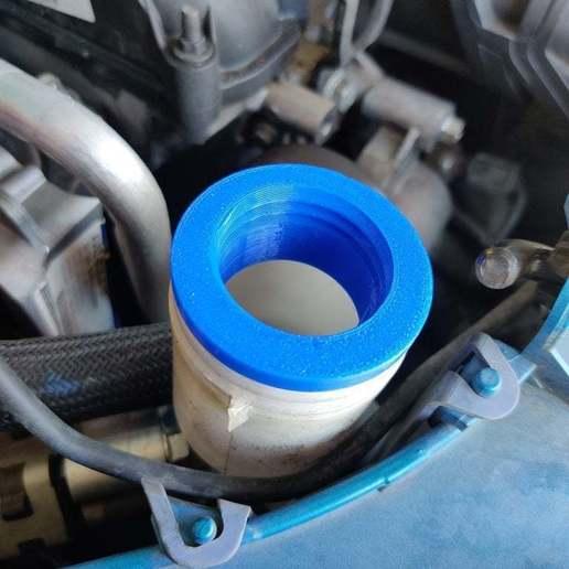 IMG_20200630_152438.jpg Télécharger fichier STL gratuit Ford Focus 2012 Capuchon de réservoir de liquide lave-glace v2 • Modèle pour imprimante 3D, RT3DWorkshop