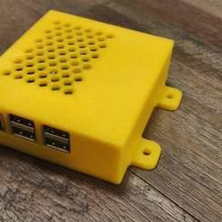 IMG_20190429_201715.jpg Download free STL file Raspberry Pi 3 Wall Mount Case • 3D printer model, RT3DWorkshop