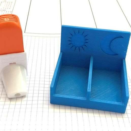 Download free 3D printing files Inhaler Reminder Stand - From Dusk till Dawn, weirdcan