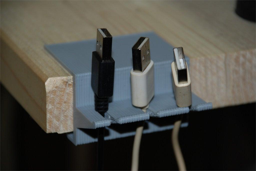 Klemm-Kabelhalter-1.jpg Download free SCAD file Clampable Cable Holder (customizable) • Design to 3D print, dede67