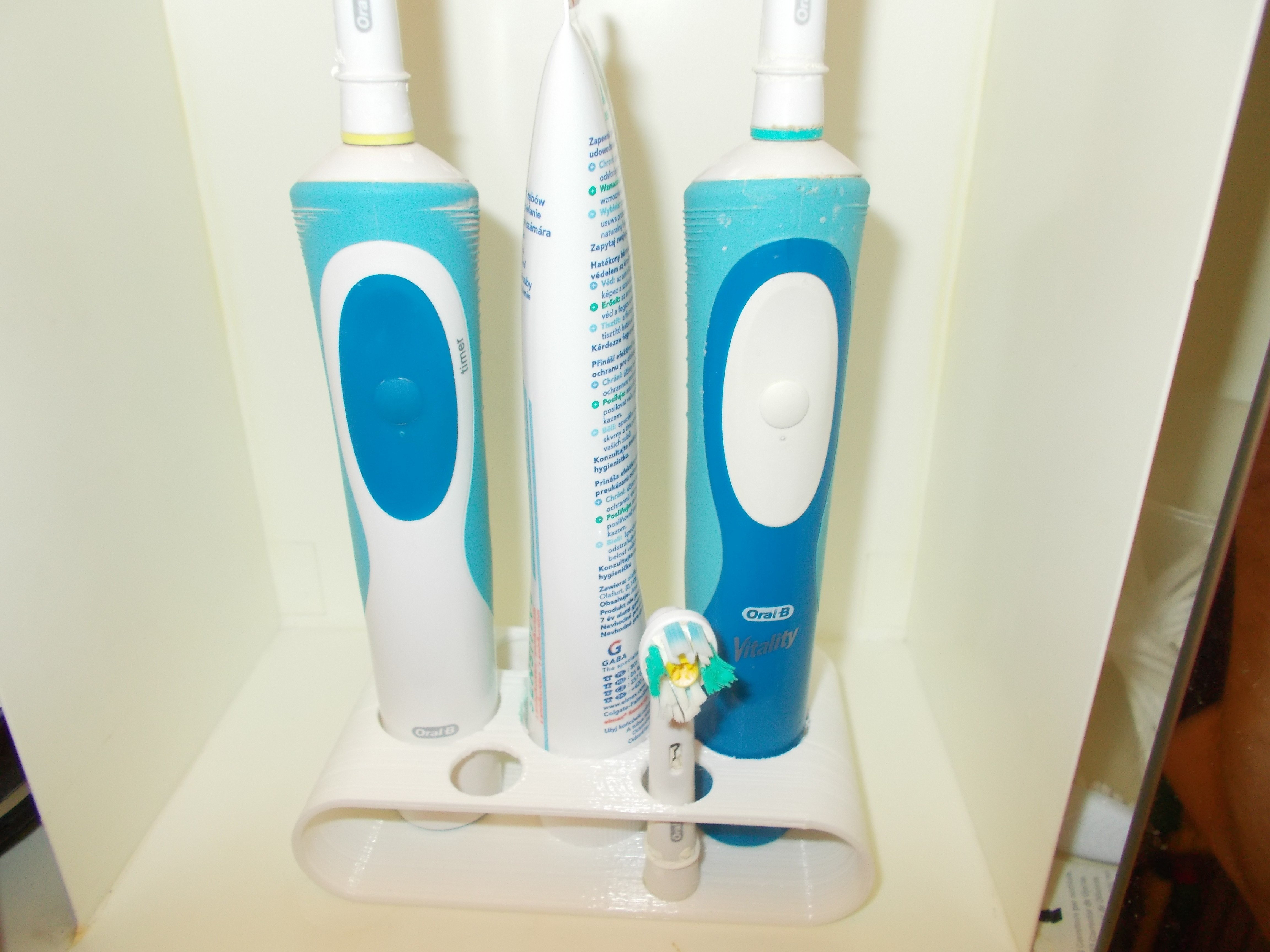 DSCN0658.JPG Download STL file  electric toothbrush holder oral-b • 3D printable design, morcpetya