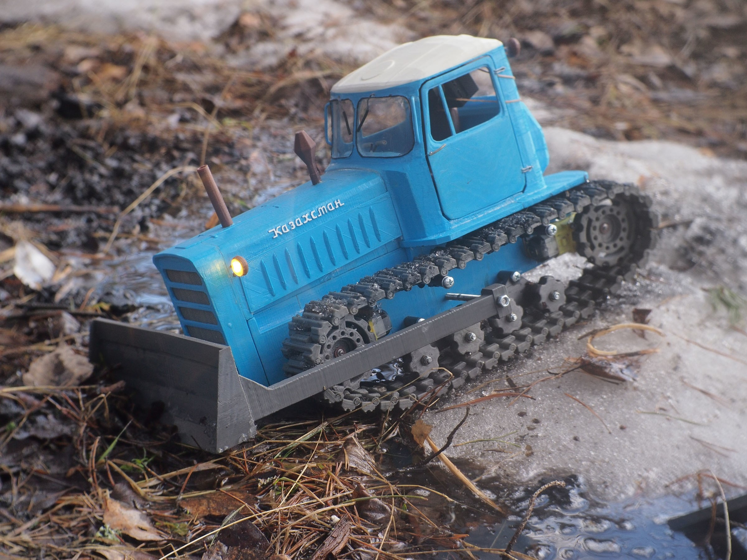 P4070524.JPG Download free STL file RC Soviet tractor DT-75 Kazakhstan (1\10 scale) • 3D printer design, gamebox13