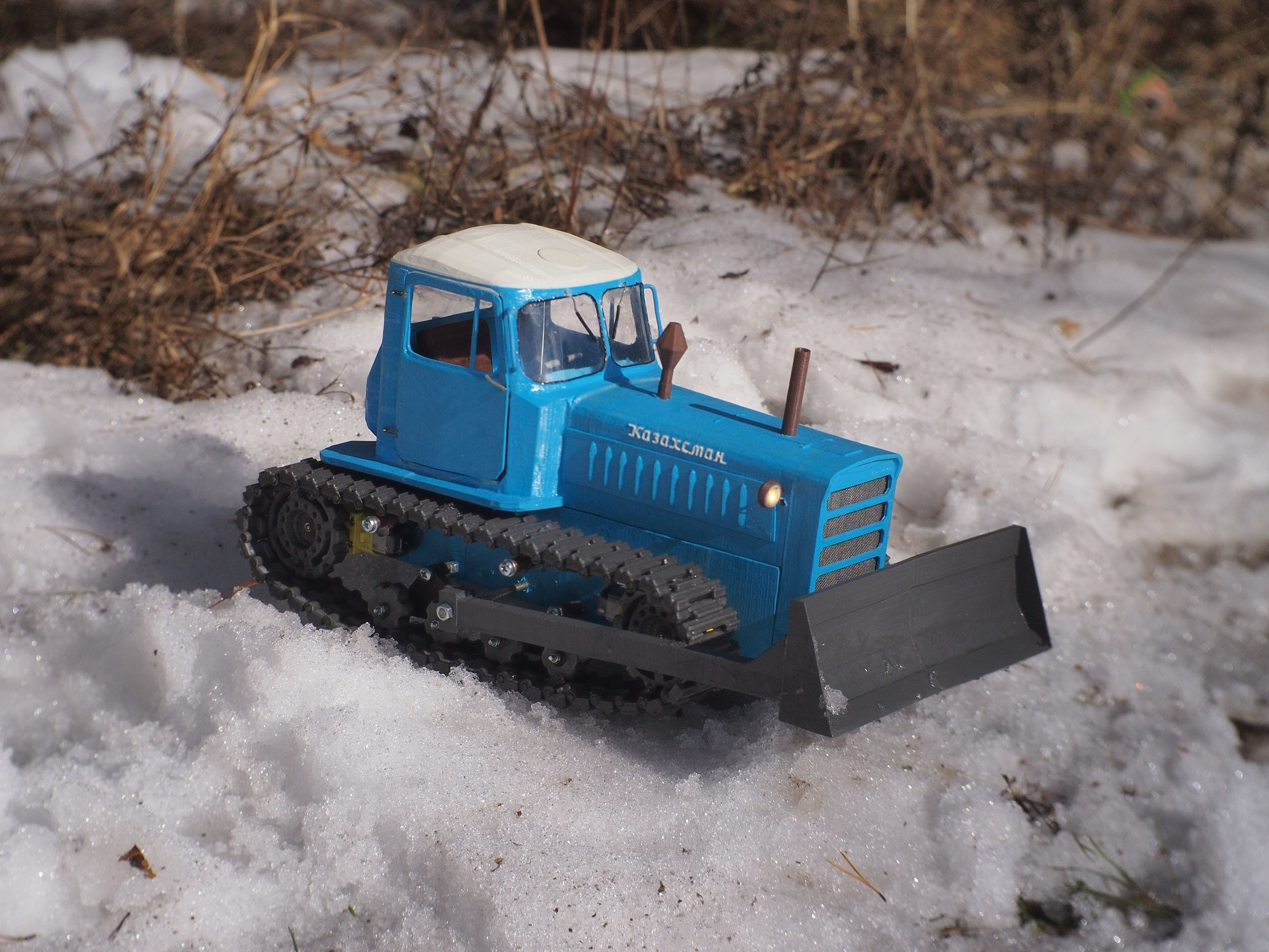 P4070523.JPG Download free STL file RC Soviet tractor DT-75 Kazakhstan (1\10 scale) • 3D printer design, gamebox13