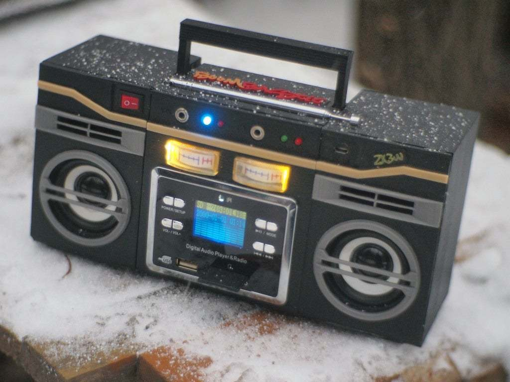 PC090442.JPG Download free STL file Boombastic - portable old school music player • 3D printer design, gamebox13