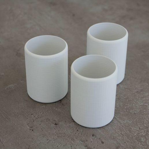 becher1.jpg Télécharger fichier STL gratuit Tasse / gobelet simple mais élégant • Modèle à imprimer en 3D, plokr