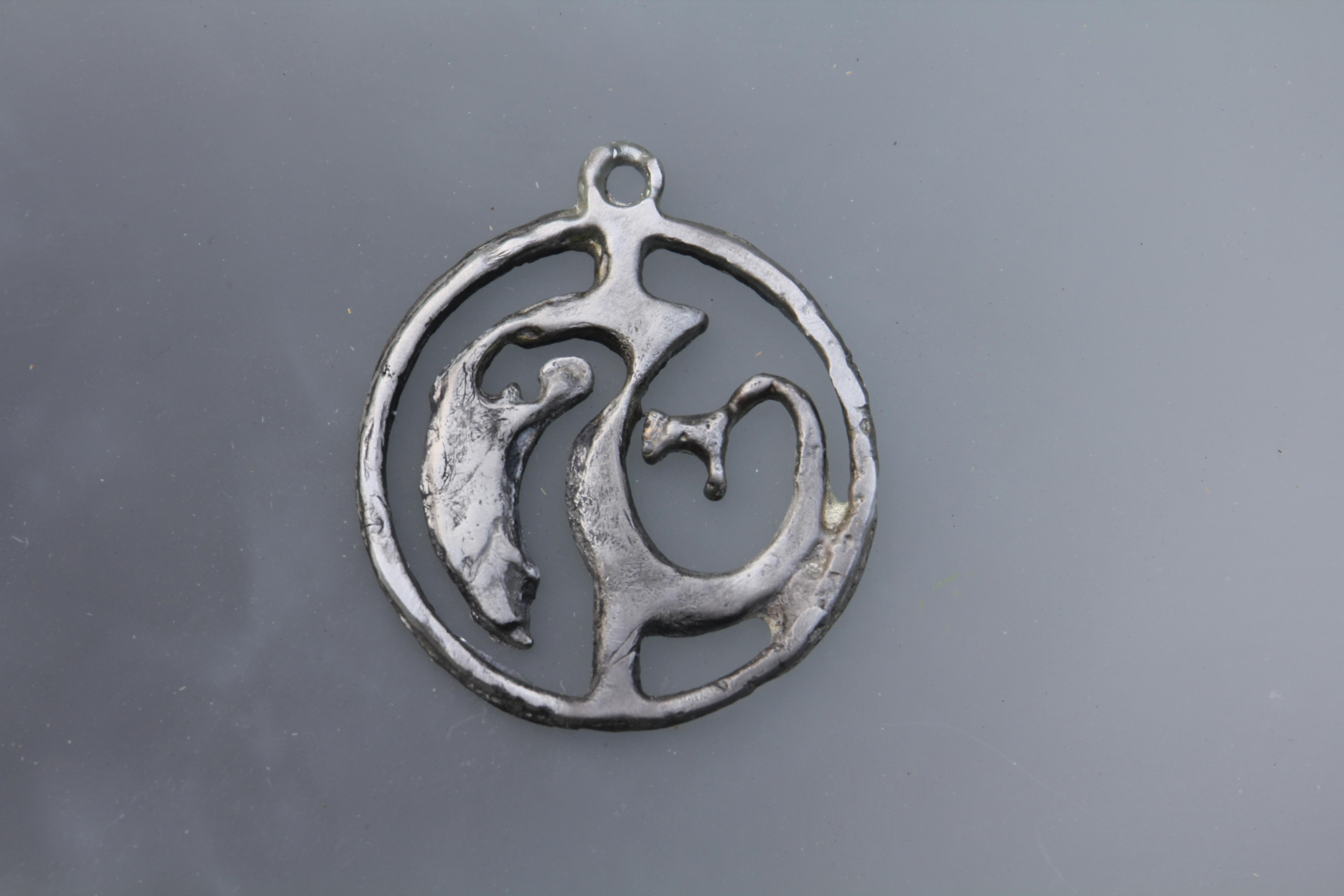 IMG_8811.JPG Télécharger fichier STL gratuit Modèle d'amulette de dragon / fabricant de moules • Modèle à imprimer en 3D, plokr