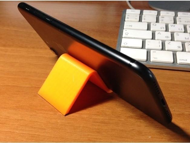 e8b7a15c8a290a10473bc6d284664dd3_preview_featured.jpg Télécharger fichier STL gratuit iPhone 7 Support • Design à imprimer en 3D, perinski