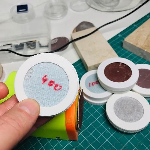 Sanding_Pad_Box.jpg Télécharger fichier STL gratuit Boîte pour papier abrasif • Plan imprimable en 3D, perinski