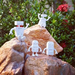 Free Robot Family Simple No Support 3D printer file, yuripessa