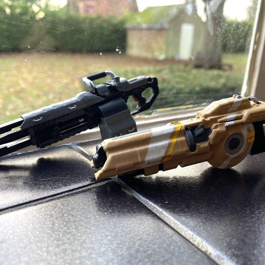 Download free OBJ file TitanFall 2 Splitter Rifle and the 40mm Tracker Cannon • 3D printer model, MaxWillson