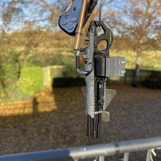 IMG_4544.jpg Télécharger fichier OBJ gratuit Le fusil de précision TitanFall 2 et le canon traqueur de 40 mm • Plan imprimable en 3D, MaxWillson