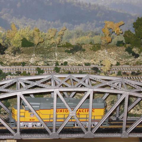 b6d254a75e32812ccd483098a3333a2d_display_large.JPG Download free STL file HO Scale 145 ft Steel Arched Truss Bridge • 3D printer model, kabrumble