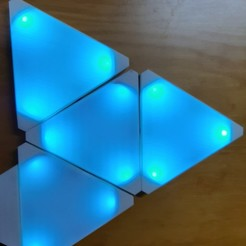 20201011_214454.jpg Download STL file Similiar nanoleaf triangular lamp • 3D print design, ledblue