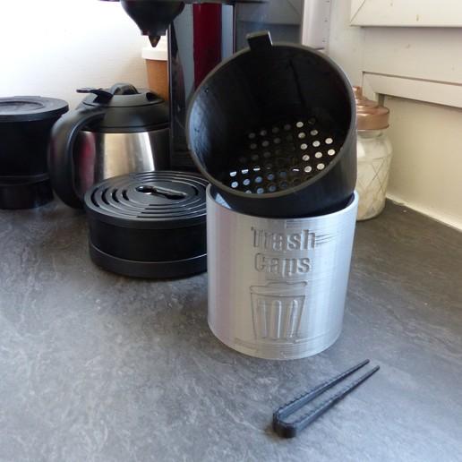 P1010601.JPG Télécharger fichier STL TRASH CAPS - Poubelle pour dosettes et capsules de café • Design à imprimer en 3D, lartiste3D