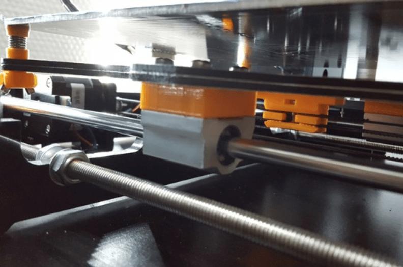 Capture d'écran 2018-05-14 à 14.03.23.png Télécharger fichier STL gratuit Mise à niveau de la plaque de chariot Y pour Anet A8 • Plan imprimable en 3D, Xenice