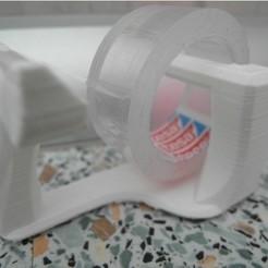 Impresiones 3D gratis Moderno dispensador tesa, UniversalMaker