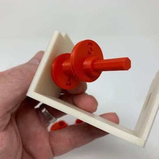 """Image0002c.JPG Télécharger fichier STL gratuit """"Lora et moi"""", un simple automate imprimé en 3D. • Plan à imprimer en 3D, gzumwalt"""