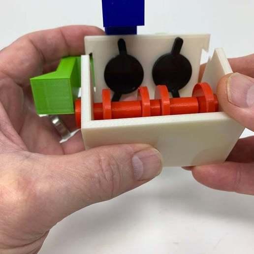 """Image0004c.JPG Télécharger fichier STL gratuit """"Lora et moi"""", un simple automate imprimé en 3D. • Plan à imprimer en 3D, gzumwalt"""