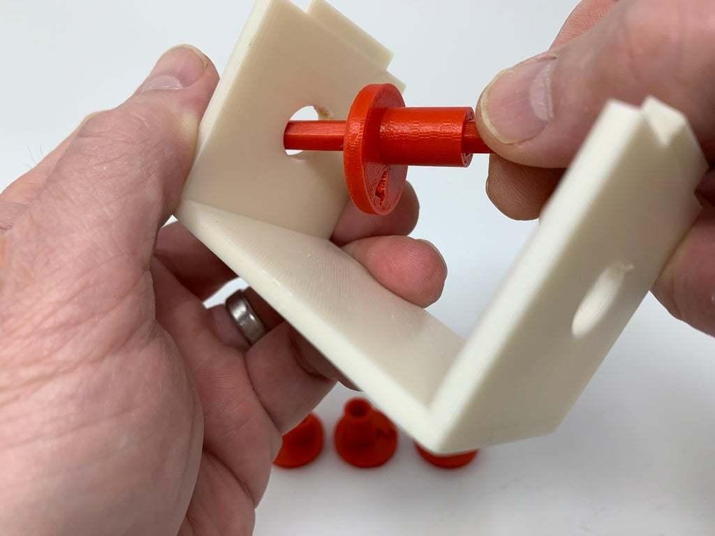 """Image0002b.JPG Télécharger fichier STL gratuit """"Lora et moi"""", un simple automate imprimé en 3D. • Plan à imprimer en 3D, gzumwalt"""