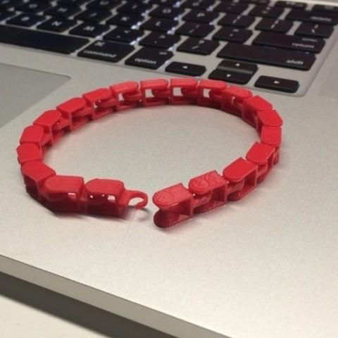 Impresiones 3D gratis La cadena de la rueda dentada se convierte en pulsera, gzumwalt