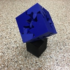 Download free 3D printing designs Large Geared Cube, Motorized Edition, gzumwalt